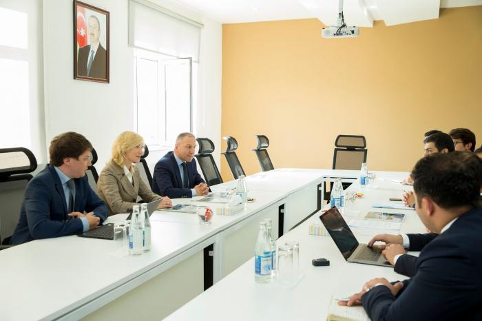 """Ülvi Mehdiyev """"SAP SE"""" şirkətinin vitse-prezidentilə görüşüb"""