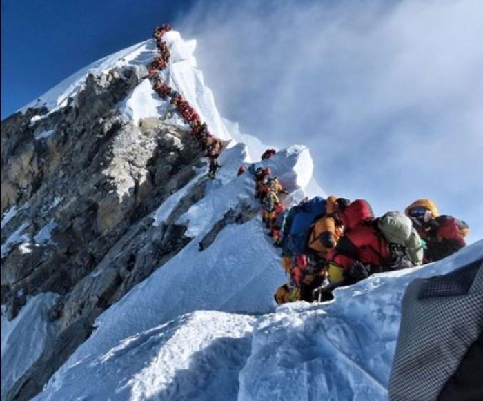 Everestdə 10 nəfər həlak olub