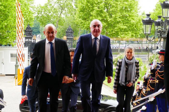 وزراء الخارجية يناقش كاراباخ في فرنسا - صورة