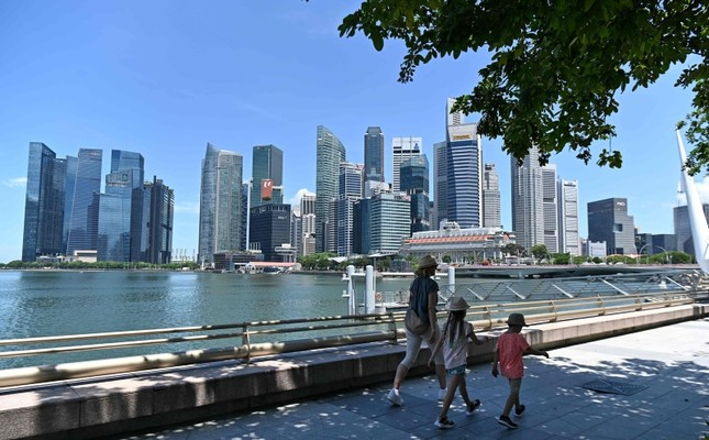 Singapore parliament outlaws publication of fake news