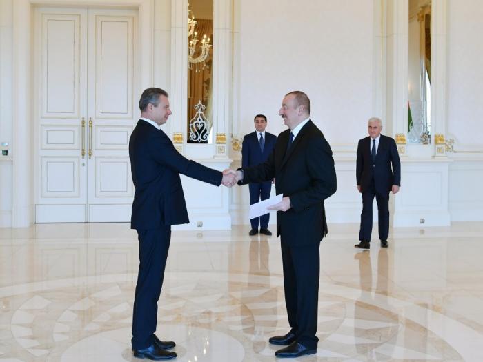 إلهام علييف يستقبل السفير الأوكراني الجديد-صورة