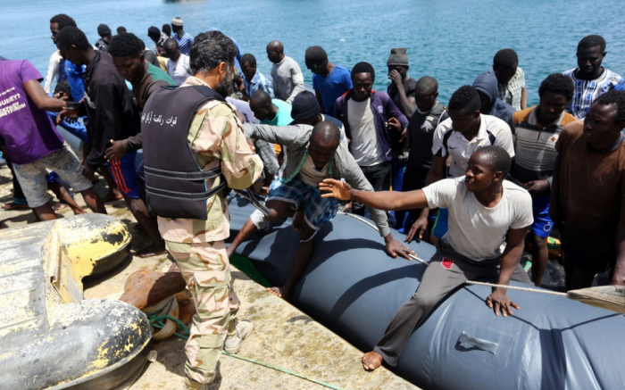 Près de 300 migrants secourus par la garde-côtes libyenne