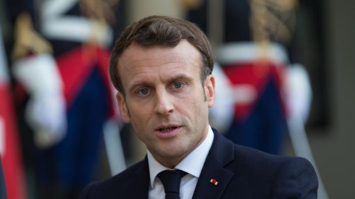 Pour Macron, le monde culturel doit s