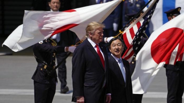 Trump von Kaiser Naruhito empfangen