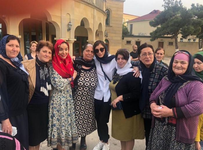 Mehriban Əliyeva qızı ilə ziyarətgahda - FOTOLAR
