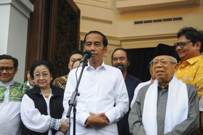 Joko Widodo remporte un second mandat à la tête de l