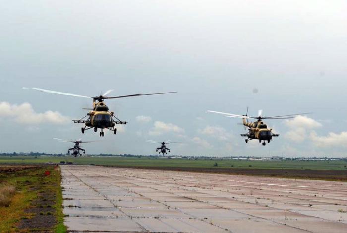 Azərbaycanın hərbi helikopterləri Türkiyəyə yola düşüb - FOTOLAR