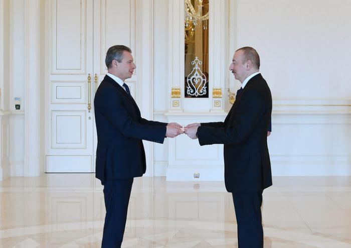 Presidente Aliyev recibe credenciales del nuevo embajador de Ucrania en Azerbaiyán