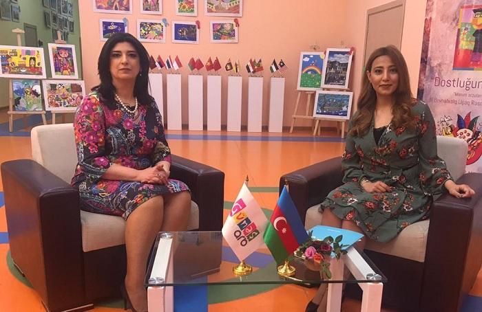 """""""Kinorejissor olmaq istəyirdim, anam mane oldu"""" - Xanım deputat (VİDEO)"""