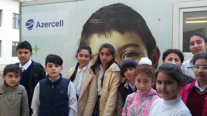 """Azercell-in """"Mobil Diş Klinikası"""" təmənnasız tibbi müayinələr aparır"""