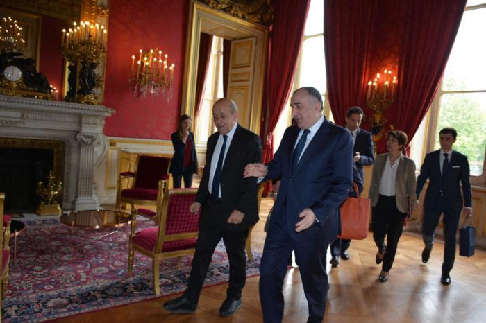 France pledges every effort to resolve Karabakh conflict