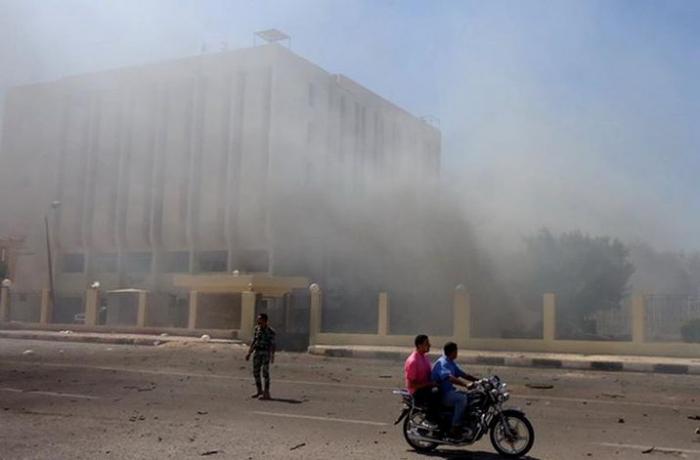 Egypte: 17 blessés   dans une explosion visant un bus de touristes au Caire