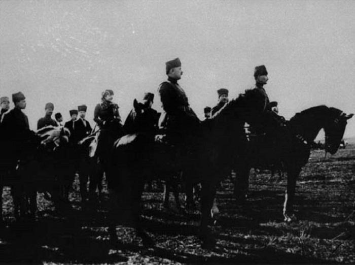 Baş Qərargah Atatürkün yeni fotolarını yayıb