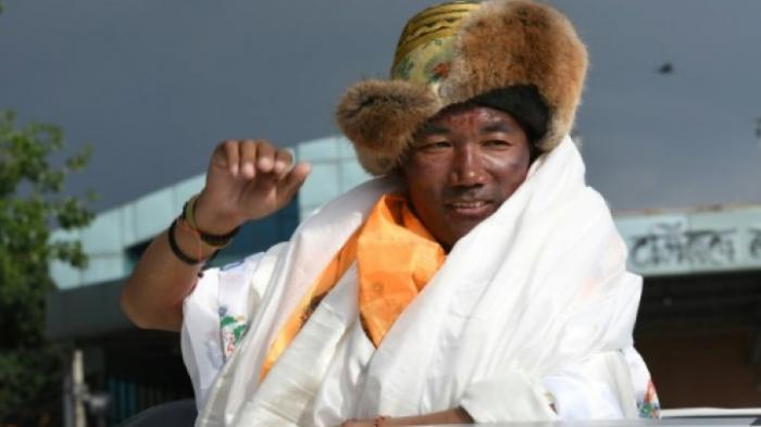 Ce Népalais a atteint le sommet de l
