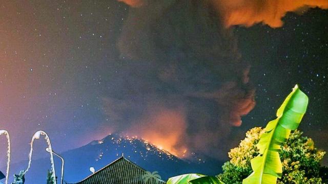 Nouvelle éruption du volcan Agung à Bali, des vols annulés