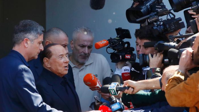 Berlusconi leaves Italian hospital, to campaign for EU vote