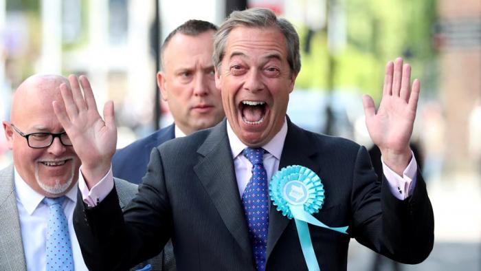 La UE investiga si Farage recibió regalos de un empresario pro-Brexit