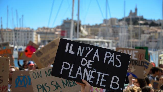 Des scientifiques soutiennent la grève des jeunes pour le climat