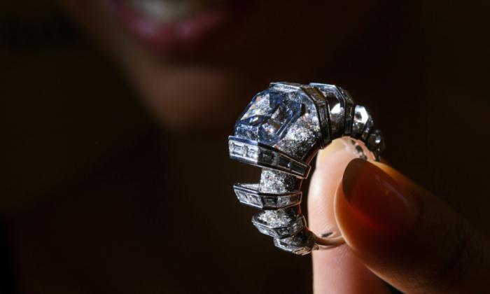 De faux experts volent un diamant à 45 millions