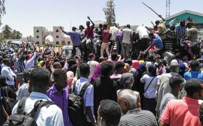 Au moins huit blessés   lors de tirs contre des manifestants à Khartoum