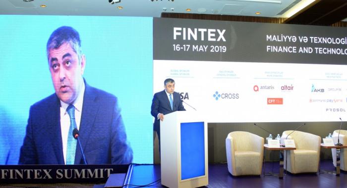 Bakú acoge una cumbre financiero-tecnológica