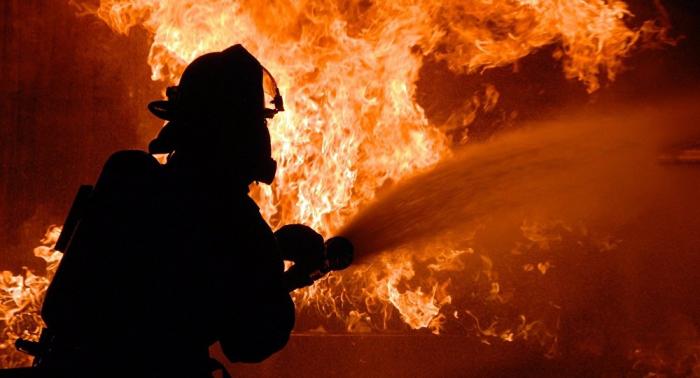 Varios muertos por un incendio en una sede policial en Italia