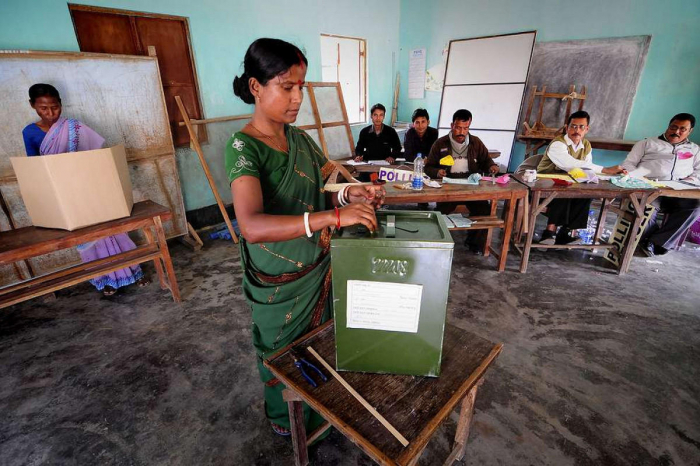 Indians vote in final phase of election