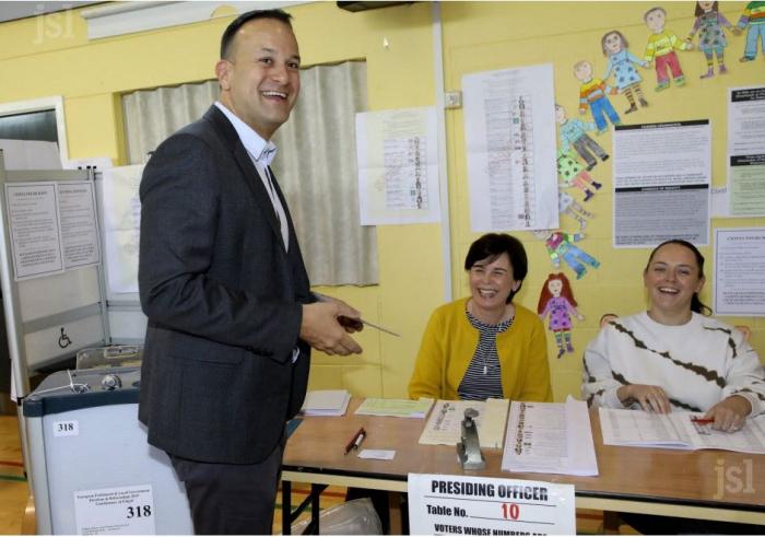 Irlande: les pro-UE en tête des élections européennes, selon des sondages à la sortie des urnes