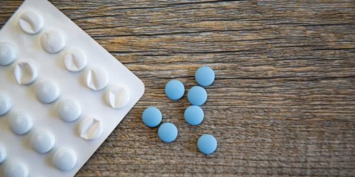 France:   un mairepropose de distribuer du Viagra pour sauver l'école communale