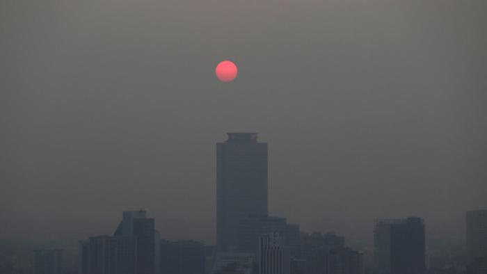Un fuerte olor a humo pone en alerta a los habitantes de Ciudad de México