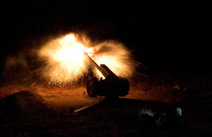 Azerbaijani army conducts live-fire stage of exercises at nighttime
