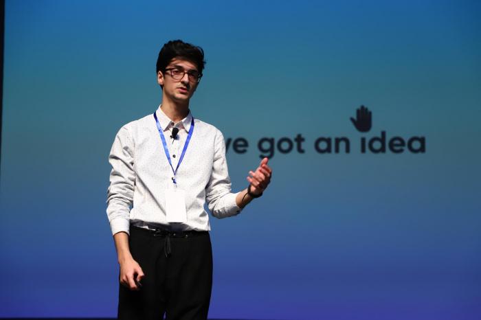 Un jóven azerbaiyano es elegido como el mejor orador del mundo en Londres