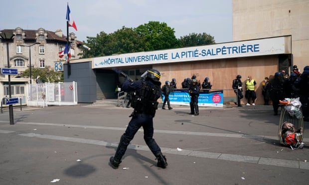 Paris hospital attacked by May Day protesters, say officials