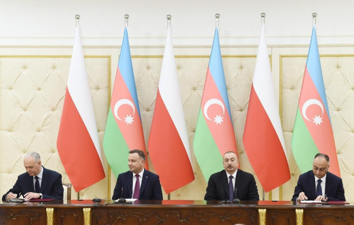 Azerbaijan, Poland sign documents -   URGENT