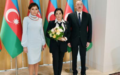 الرئيس والسيدة الأولىيجتمعان إيرينا فينر عثمانوفا -  الصور