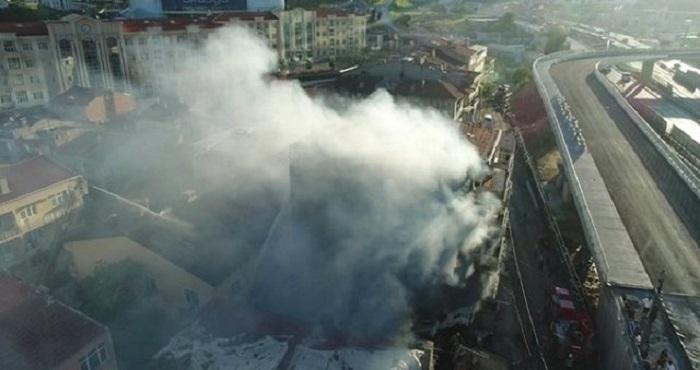 İstanbulda bina yanıb, ölənlər var - FOTO