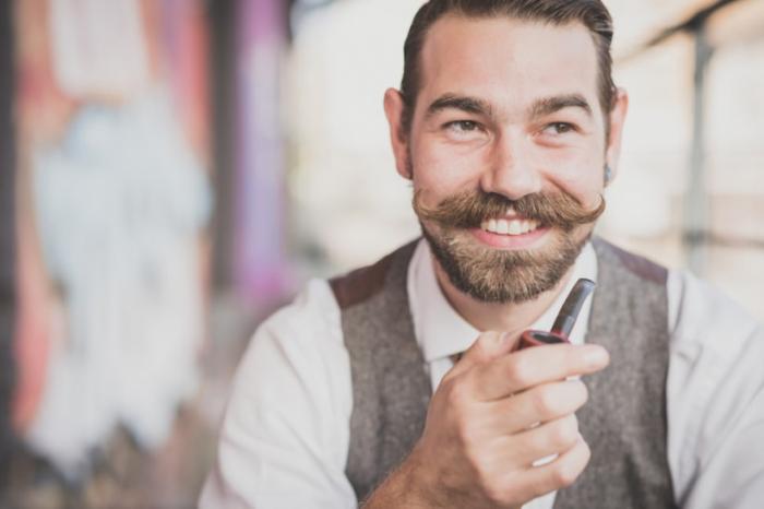 Se laisser pousser la moustache peut-il prévenir le cancer?