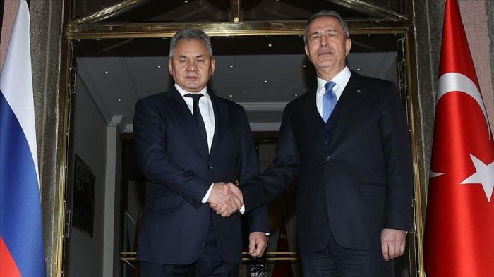 Les ministres turc et russe de la Défense discutentde la question syrienne