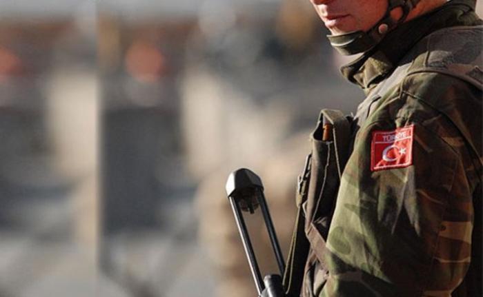 Türk əsgərləri ilə terrorçular arasında atışma - Yaralılar var
