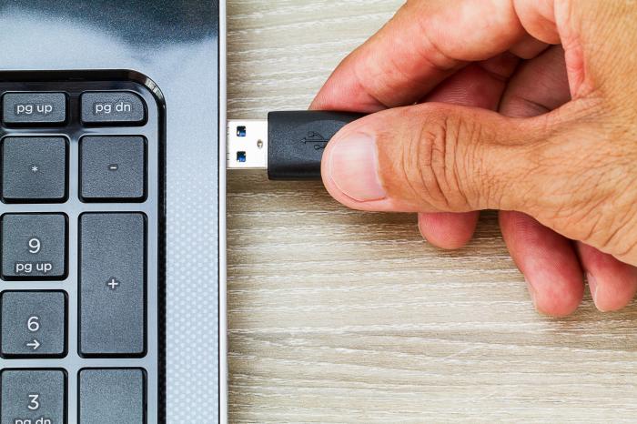 Wie wichtig ist es wirklich, einen USB-Stick sicher zu entfernen?