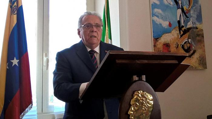 El embajador de Venezuela en Italia renuncia por problemas económicos