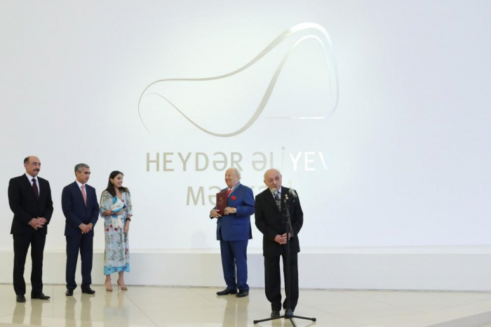 Heydar Aliyev Foundation VP attends opening ceremony of exhibition of well-known artist