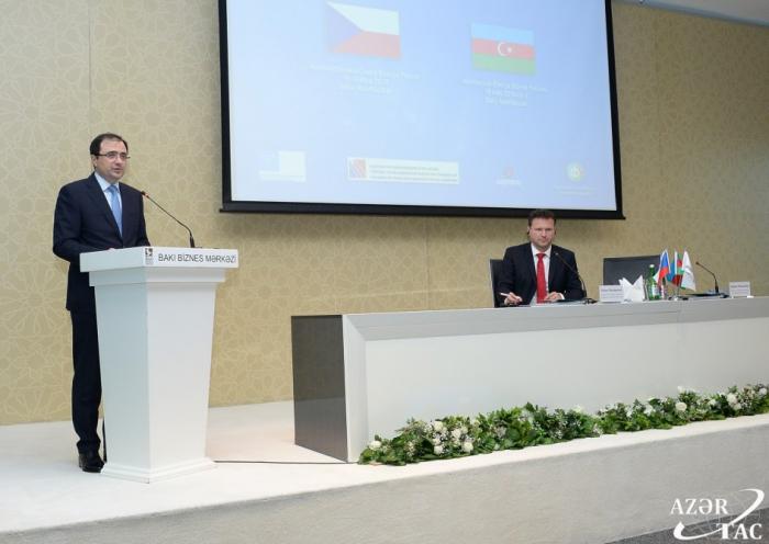 26 empresas checas operan en Azerbaiyán