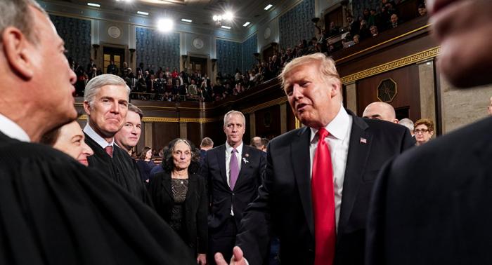 الكونغرس يطالب ترامب بالبقاء في سوريا