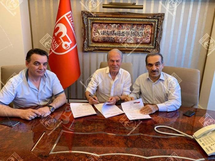 """Mustafa Dənizli rəsmən """"Traktor Sazi""""də"""
