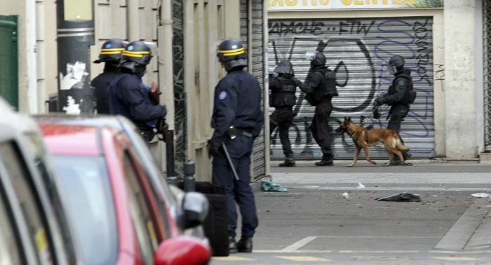 الشرطة الفرنسية تفكك خلية متطرفة كانت تخطط لشن هجمات على دور عبادة