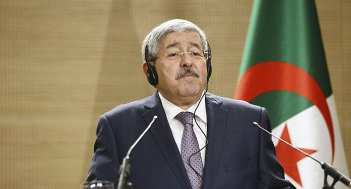 رئيس وزراء الجزائر السابق يمثل مجددا أمام القضاء
