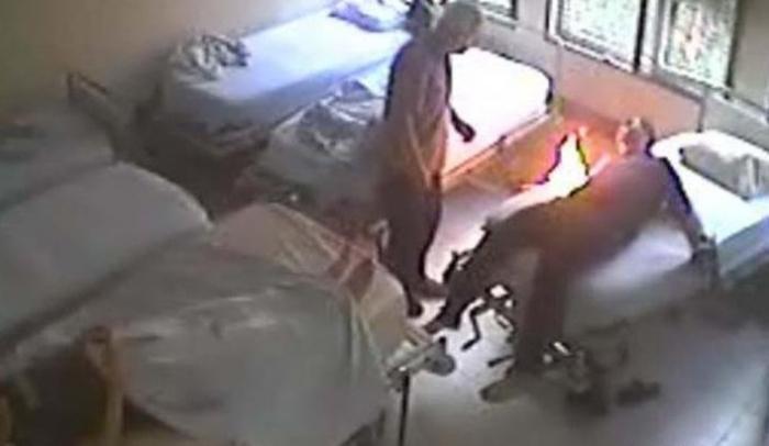 Ruhi xəstəxanada yanğın: 6 nəfər ölüb
