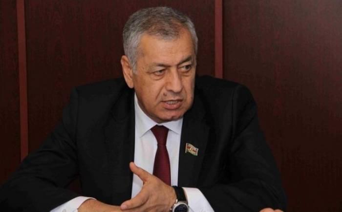 """""""300 manat alanlar üçün 15 manat böyük məbləğdir"""" - Deputat"""