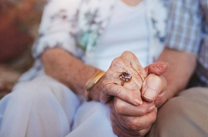 Azərbaycanda 89 yaşlı kişi evlənib